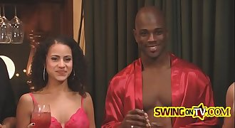 Black swingers taste the swinging lifend-janel-2